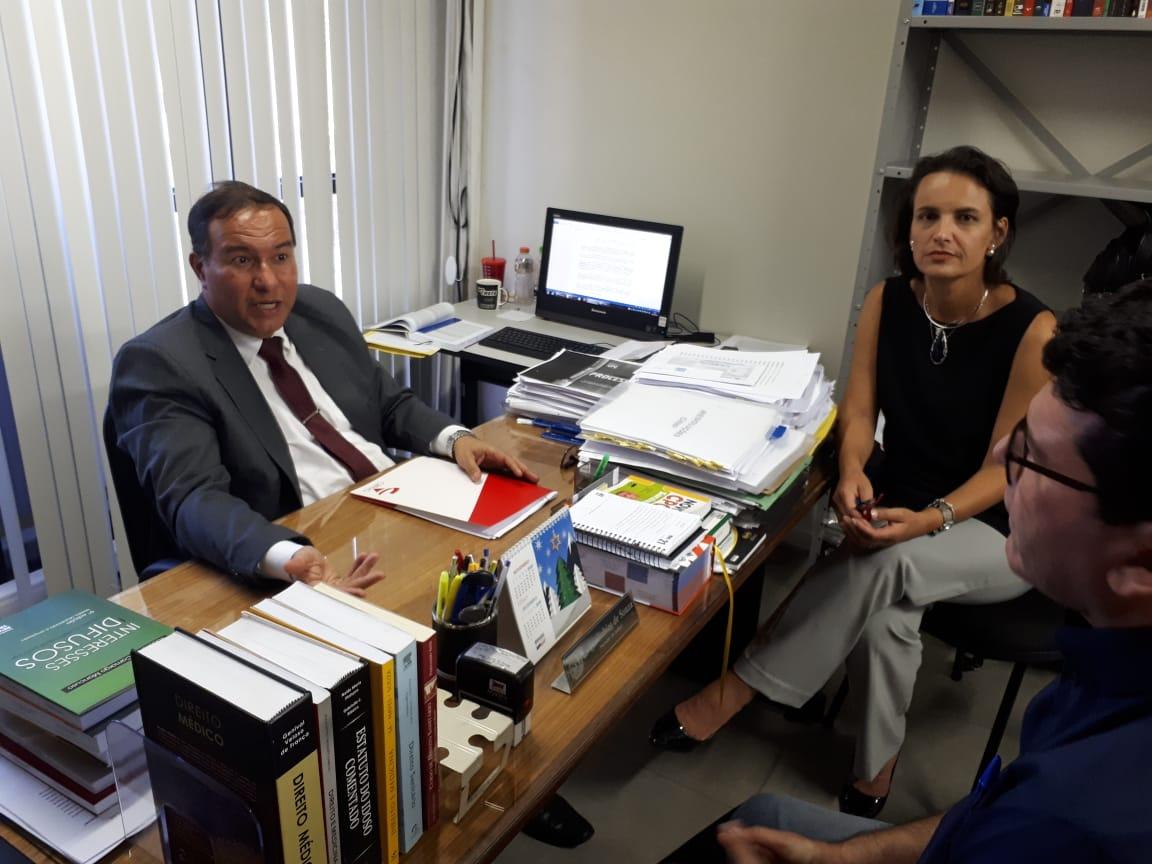 CRF/MG se reúne com Ministério Público para garantir assistência farmacêutica integral nas farmácias públicas de Juiz de Fora